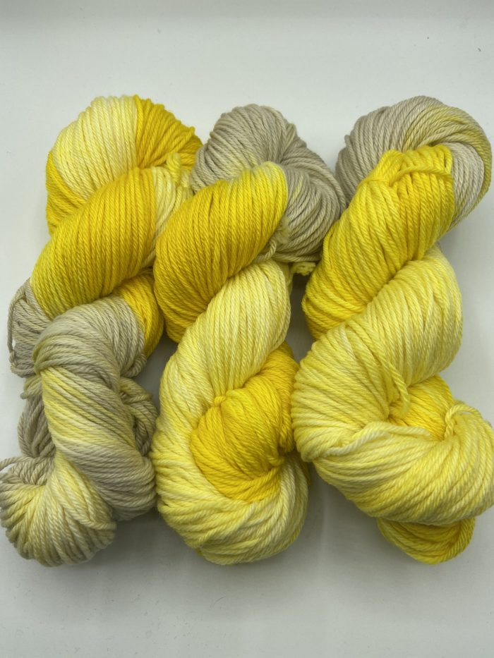 auto worsted daffodils & dandelions